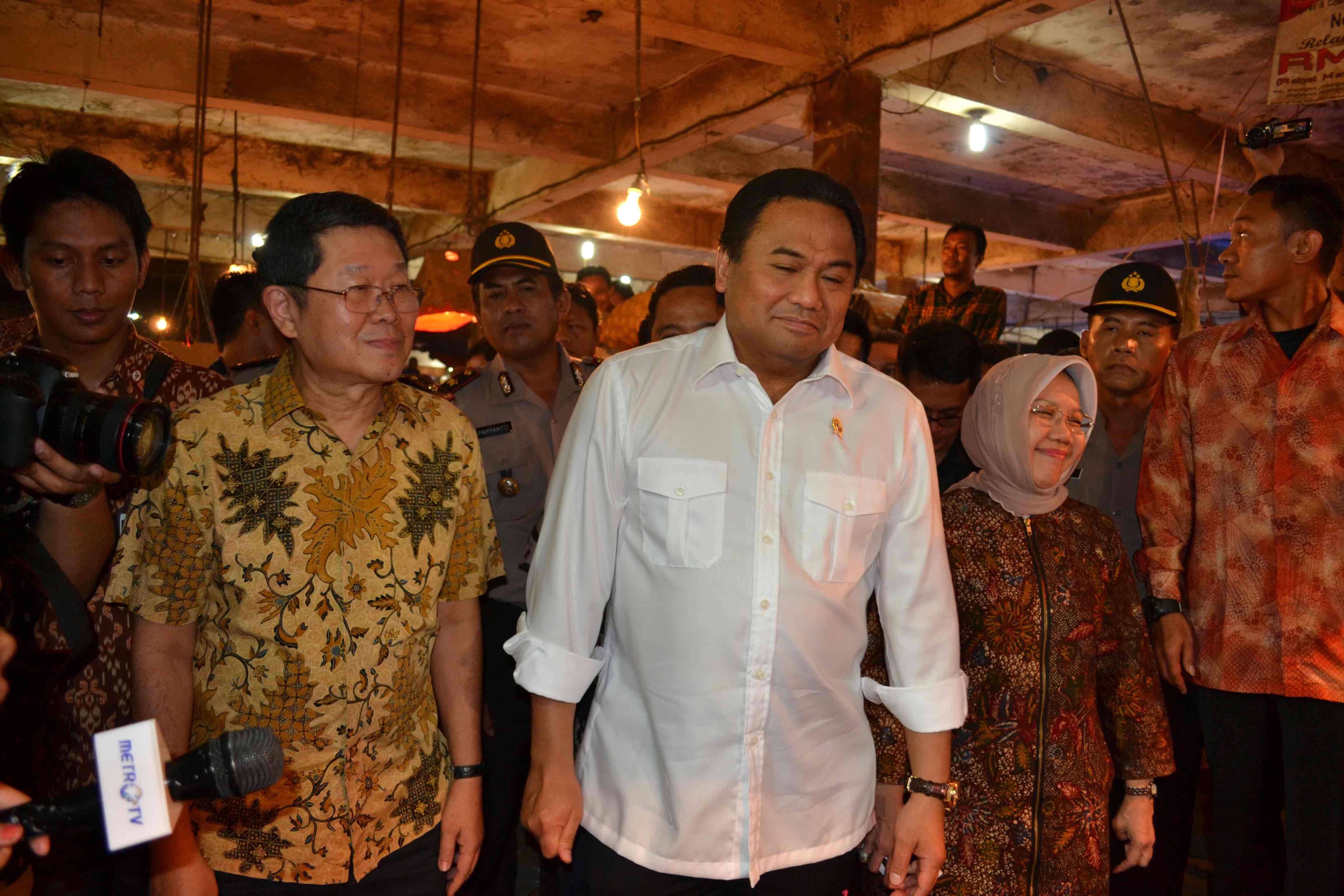 Kunjungan Pejabat Negara, Menteri Perdagangan Rachmat Gobel di Pasar Induk Tanah Tinggi, Pada Tahun 2016
