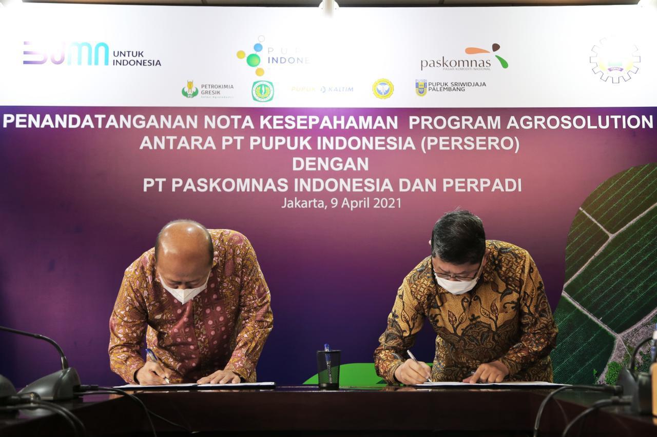Penandatanganan Nota Kesepahaman Program Agrosolution antara PT Pupuk Indonesia (Persero) Dengan PT Paskomnas Indonesia Dan Perpadi, 2021