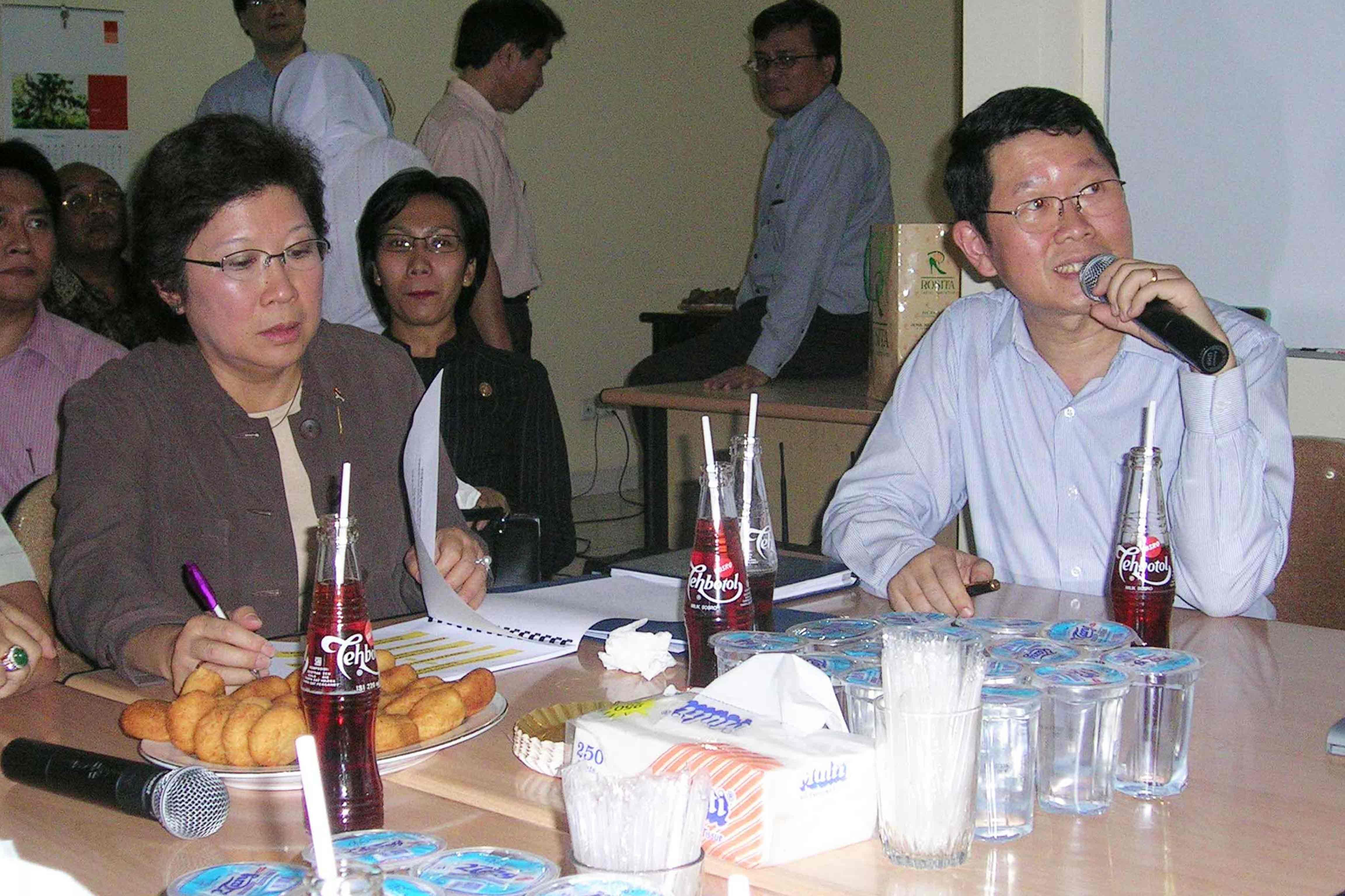 Kunjungan Pejabat Negara, Menteri Perdagangan Mari Elka Pangestu ke Pasar Induk Tanah Tinggi,  Pada Tahun 2005