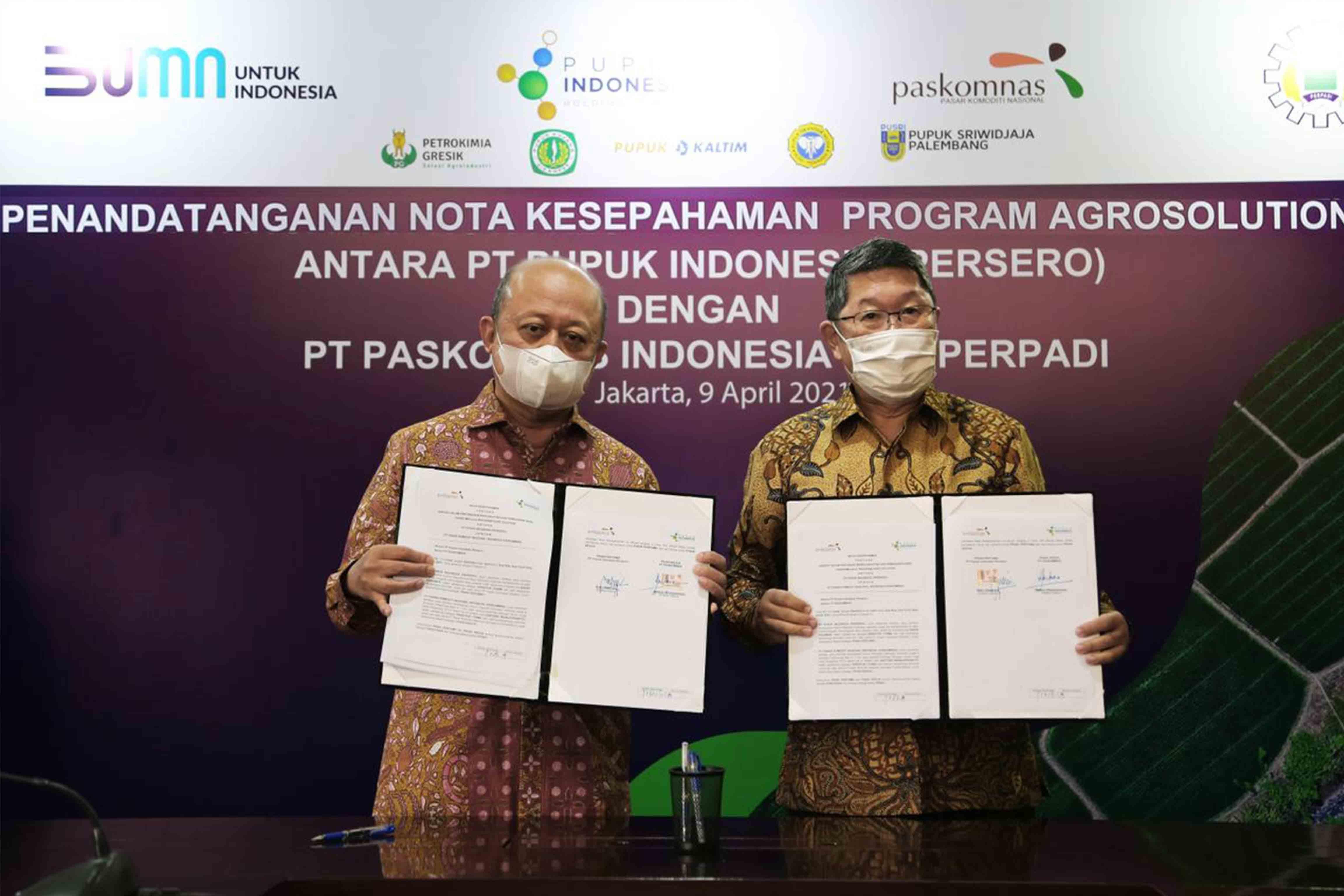Penandatanganan Nota Kesepahaman Program Agrosolution antara PT Pupuk Indonesia (Persero) Dengan PT Paskomnas Indonesia daan Perpadi, 2021