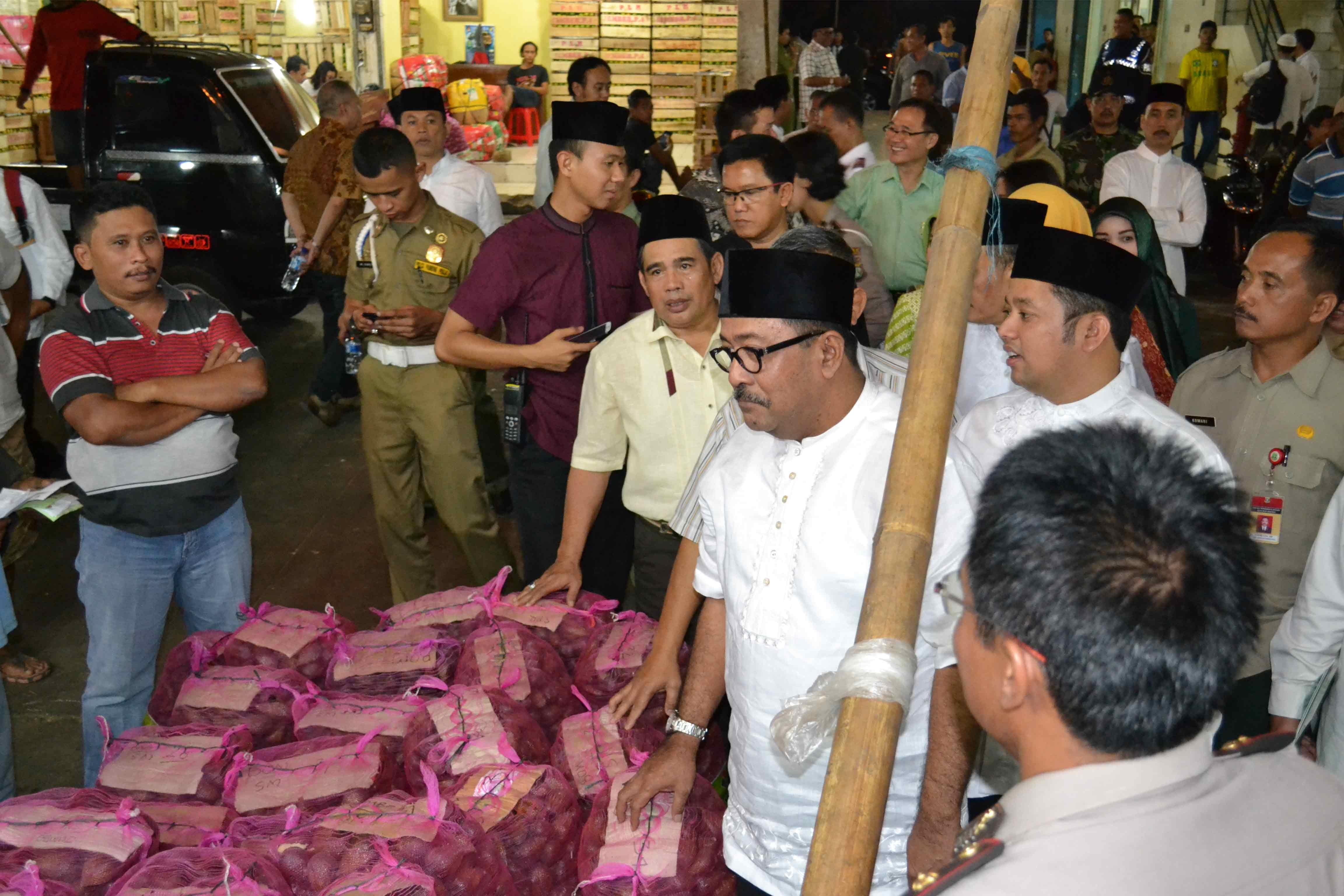 Kunjungan Pejabat Negara,Wakil Gubernur Tangerang Rano karno, Pasar Induk Tanah Tinggi
