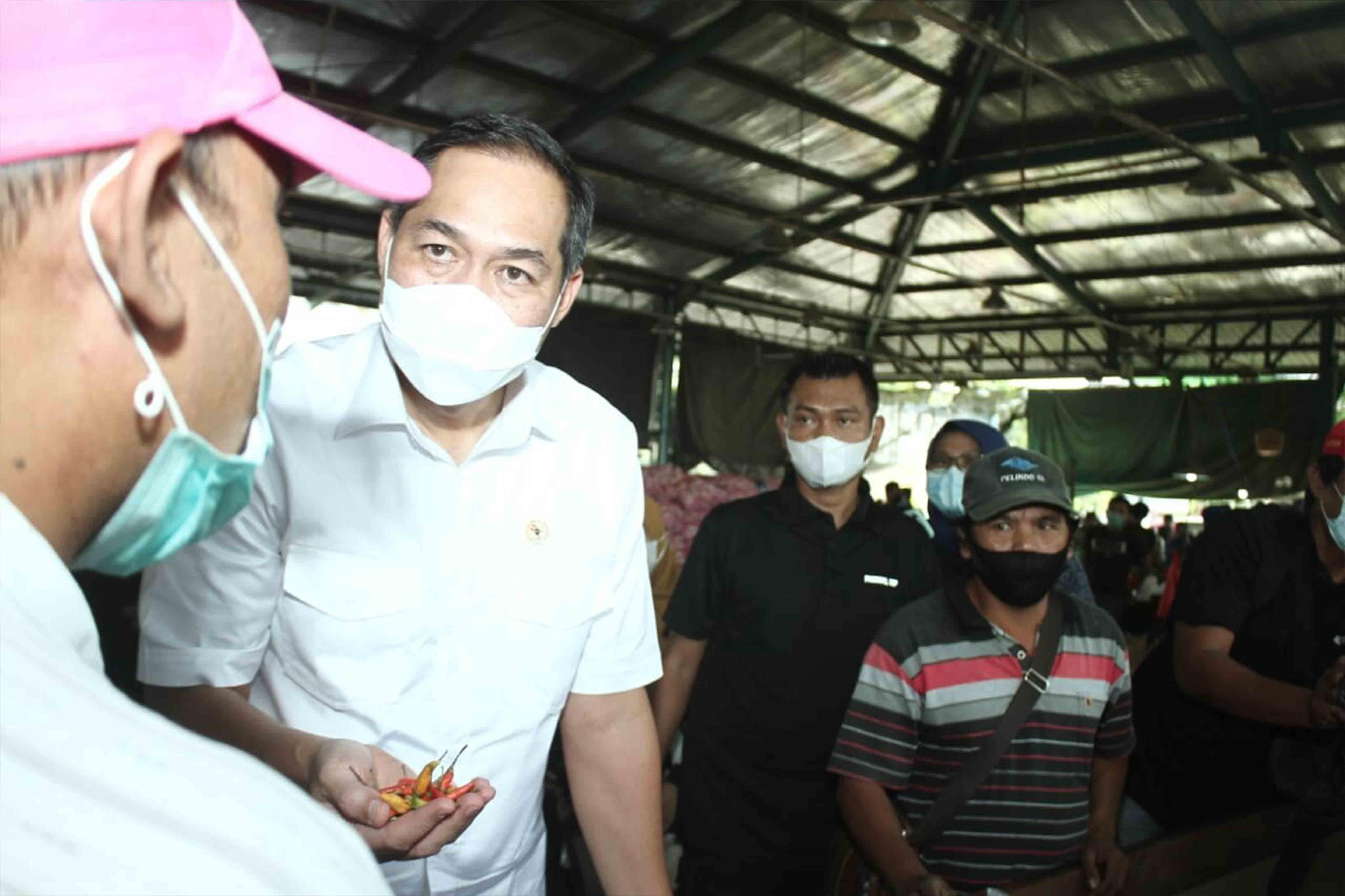 Kunjungan Pejabat Negara, Menteri Perdagangan Muhammad lutfi, pasar induk osowilangun surabaya 2021